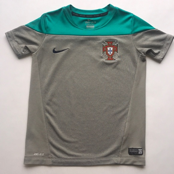 purchase cheap ee35b 7279c EUC Nike Portugal National Team jersey